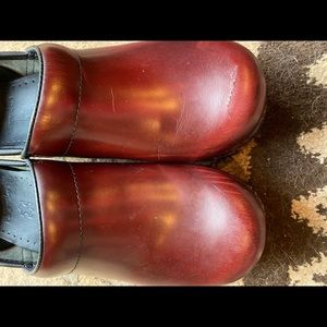 Dansko clogs-  reddish- brown size 39